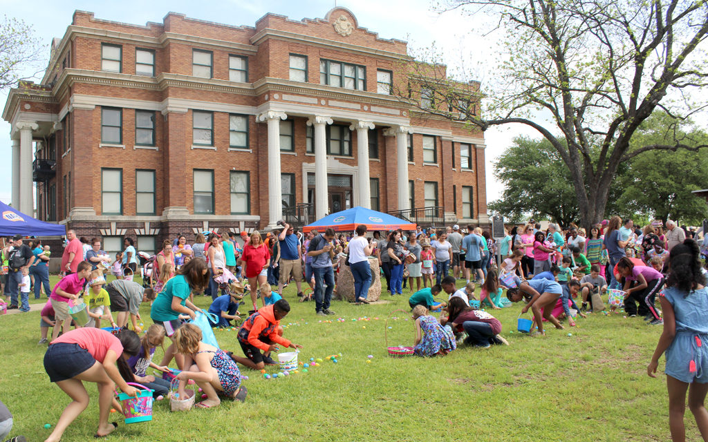 Annual Fairfield Eggstravaganza – Huge Easter Crowd