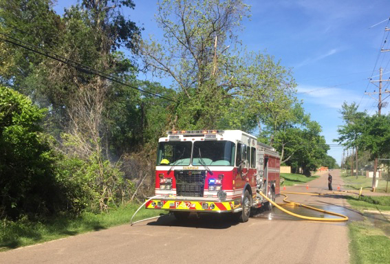Fairfield Fire Department Extinguishes Grass/Woods Fire