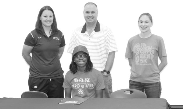 FHS Alum Signs with Hill College