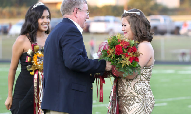 New Queen Crowned at FHS Homecoming