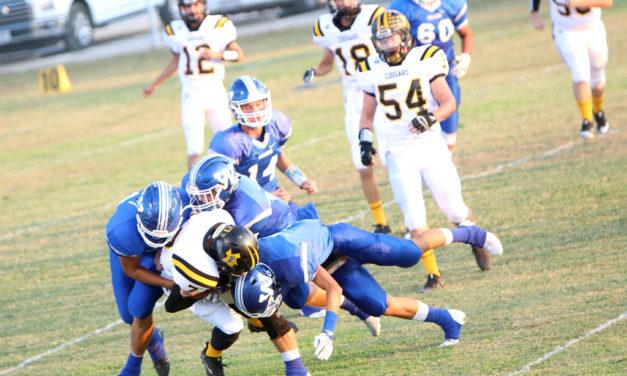 Bulldogs Winning Streak Continues 38-21